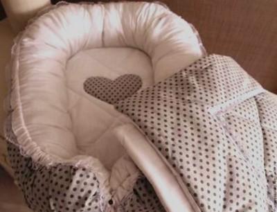 Гнездышко кокон для младенца  babynest серый в горошек  +одеяльце