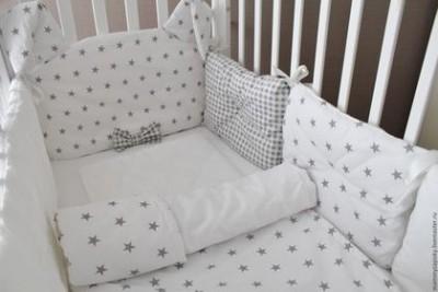 """Комплект в кроватку """"Mr.Rabbit"""",  (5 предметов): подушка, наволочка, простынь на резинке, одеяло , бортики."""