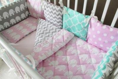 """Комплект постельного белья """"Розовый слон"""", 5 предметов: подушка, наволочка, простынь на резинке, одеяло , бортики-подушки."""