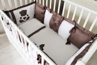 Комплект в кроватку Шоколад на 4 стороны кроватки, 5 предметов.