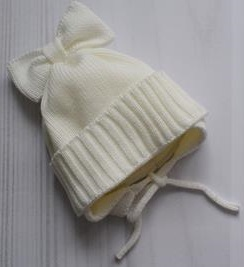 Шапочка вязанная на подкладке для маловесной малышки, на рост 46 см, цвет экрю
