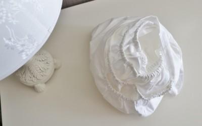 Простынь на овальный матрас белая  на резинке, 125*75 см