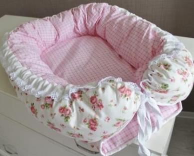 Гнездышко кокон babynest  Розы для младенца, размер 15х57х85см