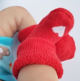 Носочки  махровые, красные с белым сердечком, р. 3-4 см, 4-6 см