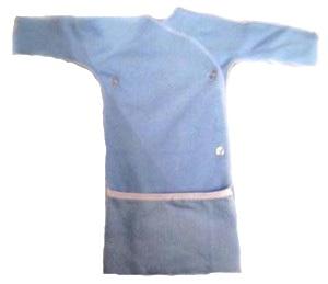 Распашонка-рубашка с длинным  рукавом голубая из футера на рост  42 см