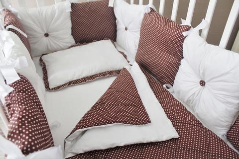 """Комплект в кроватку """"Горошинка"""", 4 предмета: Подушка, простынь на резинке, одеяло простеганное, бортики-подушки."""