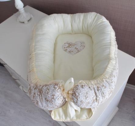 Гнездышко кокон babynest  бежевый  сердечком для младенца, размер 15х57х85см