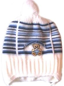 Шапочка вязаная « Мишка в кармане» голубая