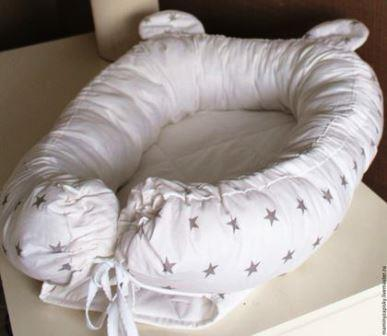 Гнездышко кокон  babynest  для младенца  белый со звездами, размер 15х57х85см