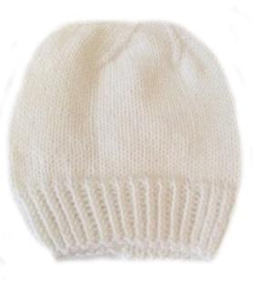 Шапочка вязаная белая 100%  мериносовая шерсть, на рост 50 см