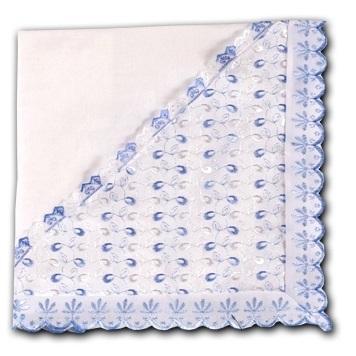 Одеяло-уголок 100х100 см утепленное на выписку из кружева,  голубое шитье , подушечка 25х30 см в подарок