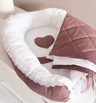 Гнездышко кокон   для младенца коричневый в горошек babynest + одеяльце
