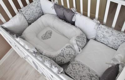 Комплект в кроватку Сумерки, (5 предметов): подушка, наволочка, простынь на резинке, одеяло , бортики.